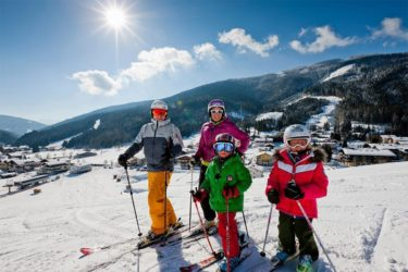 Skifahren im Skiurlaub in Filzmoos, Ski amadé